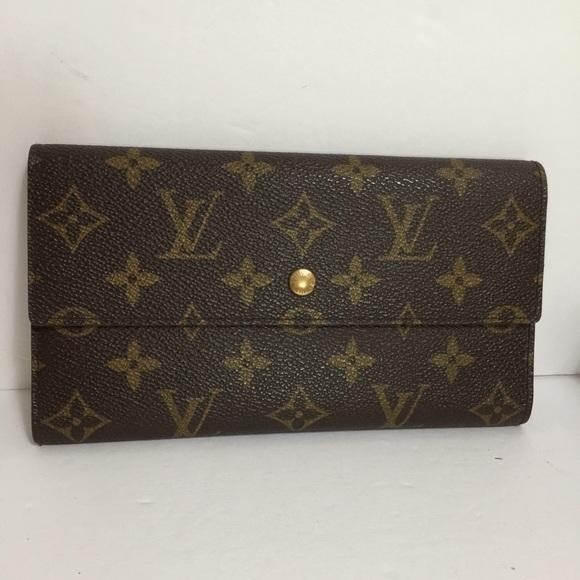 Louis Vuitton Handbags - Louis Vuitton International Wallet